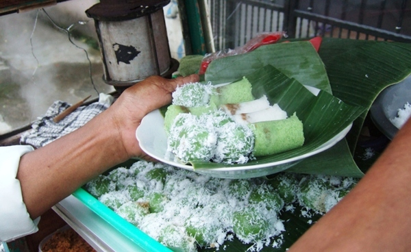 Klepon - dessert indonésien