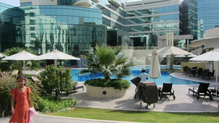 Voyage Lyon Bali escale à Dubai Hotel Emirates 2013 - Balisolo