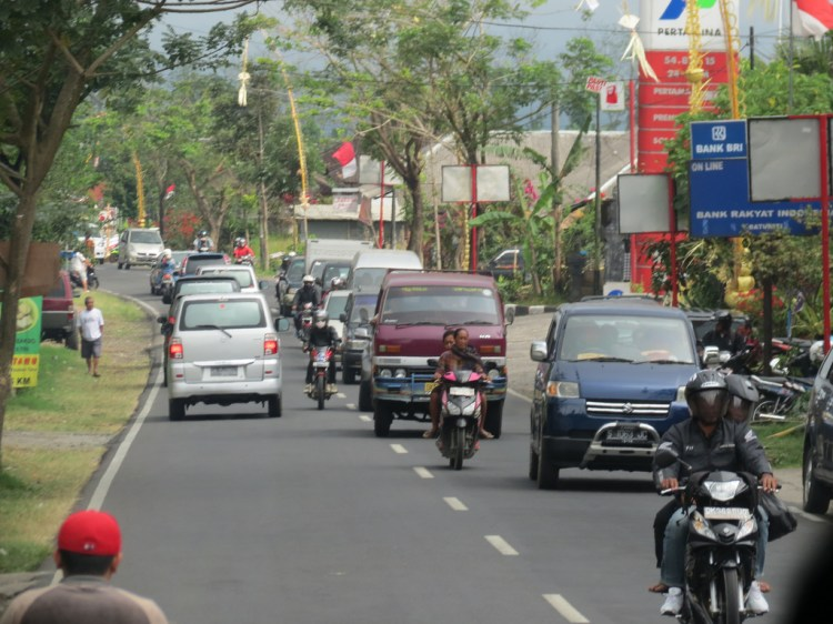 Bali traffic © Michael Sauers