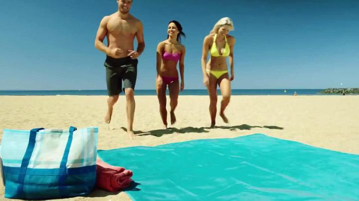 Quicksand mat, la serviette de plage anti-sable ! (2)