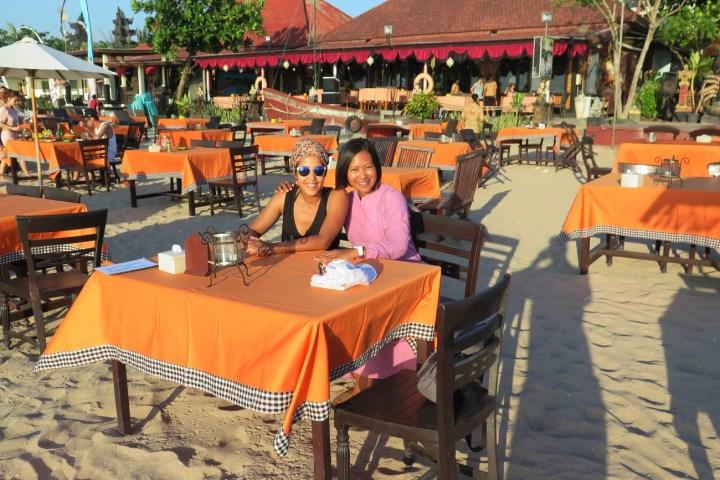 Incontournable dîner les pieds dans le sable à Jimbaran - Balisolo (10)