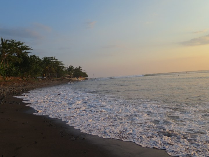 Sunset a Medewi avec Agus - Balisolo 2015112