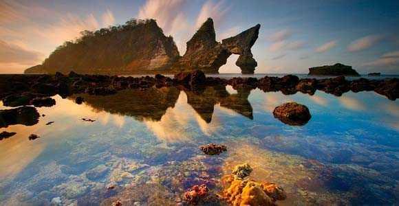 pantai atuh, nusa penida, menikmati sunrise di bali