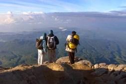 gunung-agung-bali-para-pendaki