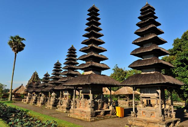 hu-temple-taman-ayun