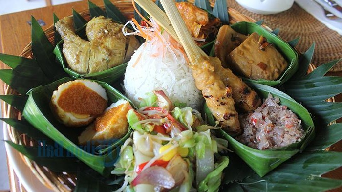 5 Types of Side Dishes Required in Balinese Mixed Rice
