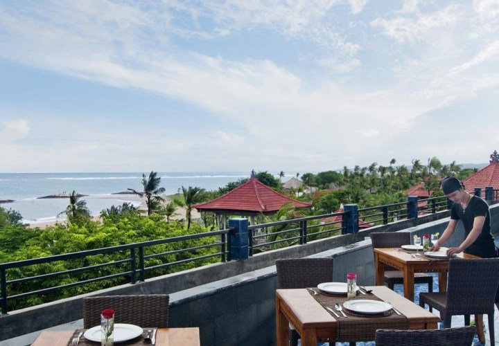 Sulis Beach Hotel Kuta, Cheap Beachfront Lodging
