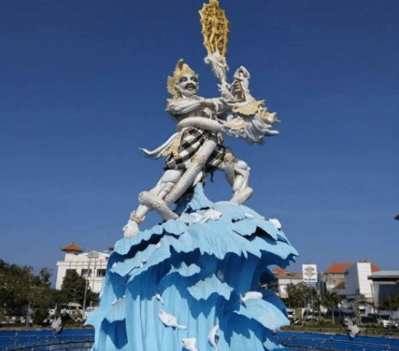 The Statue of Dewa Ruci Kuta