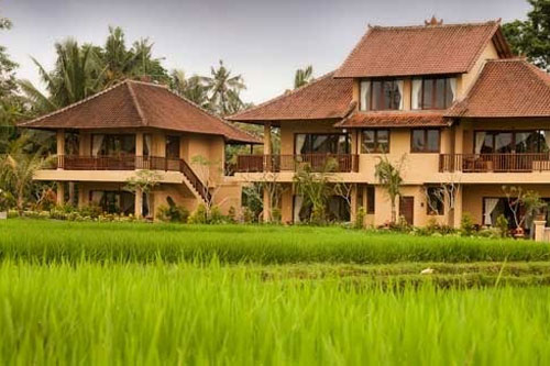 https://i0.wp.com/baliwww.com/imagesgallery/ubud/sri_bungalows/overview.jpg