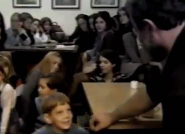 ISPLOVILI SNIMCI: EVO kako Mika Aleksić ponižava decu! (VIDEO)