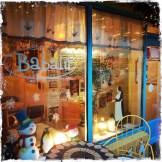 … nette Cafés, Restaurants. Egal was für ein Wetter herrscht, ein Unterschlupf für jeden Anlass ist vorhanden (Foto: balkanblogger.com)