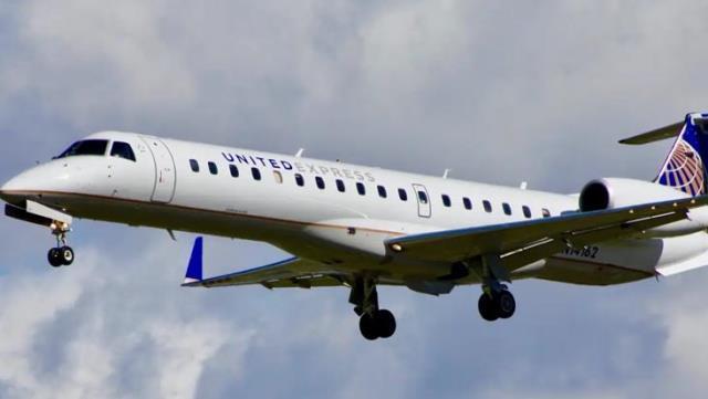 ABD'de bir yolcu, kalkış sırasında uçaktan atladı