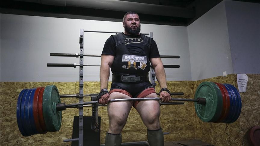 BosnaHersek'in en güçlü adamı Ambeskovic, dünyanın en güçlüsü olmak için hazırlanıyor