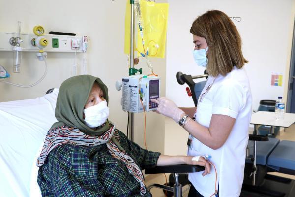 Eskişehir Şehir Hastanesi'nde ayda 500 hastaya kemoterapi tedavisi