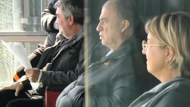 Fatih Terim ve Arda Turan, Florya'da Galatasaray U19 takımının maçını izledi