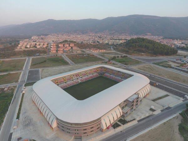 İzmir Tire'de 60 milyon TL'ye yapılan modern statta 2 yıldır profesyonel maç yapılmıyor