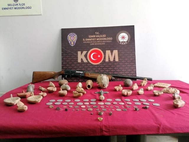 İzmir'de 91 adet tarihi eser ele geçirildi