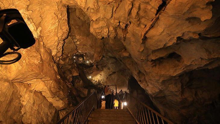 Kırklareli'ndeki Dupnisa Mağarası ilgi görüyor