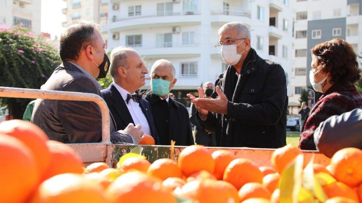Mersin'de turunçlar salata sosu oluyor
