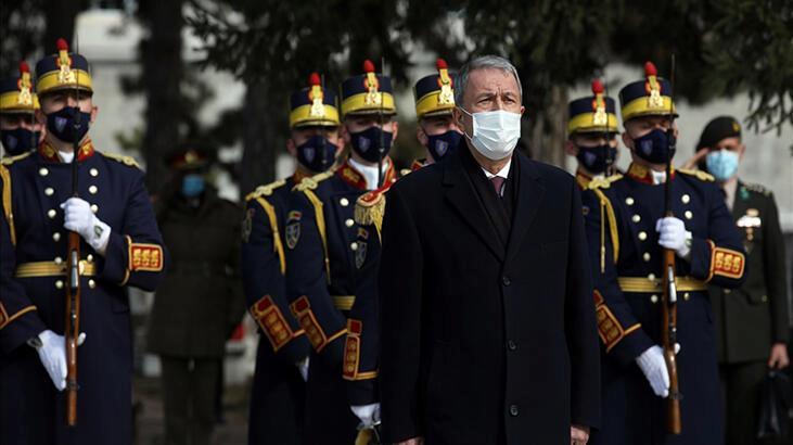 Milli Savunma Bakanı Akar, Bükreş Türk Şehitliği'ni ziyaret etti