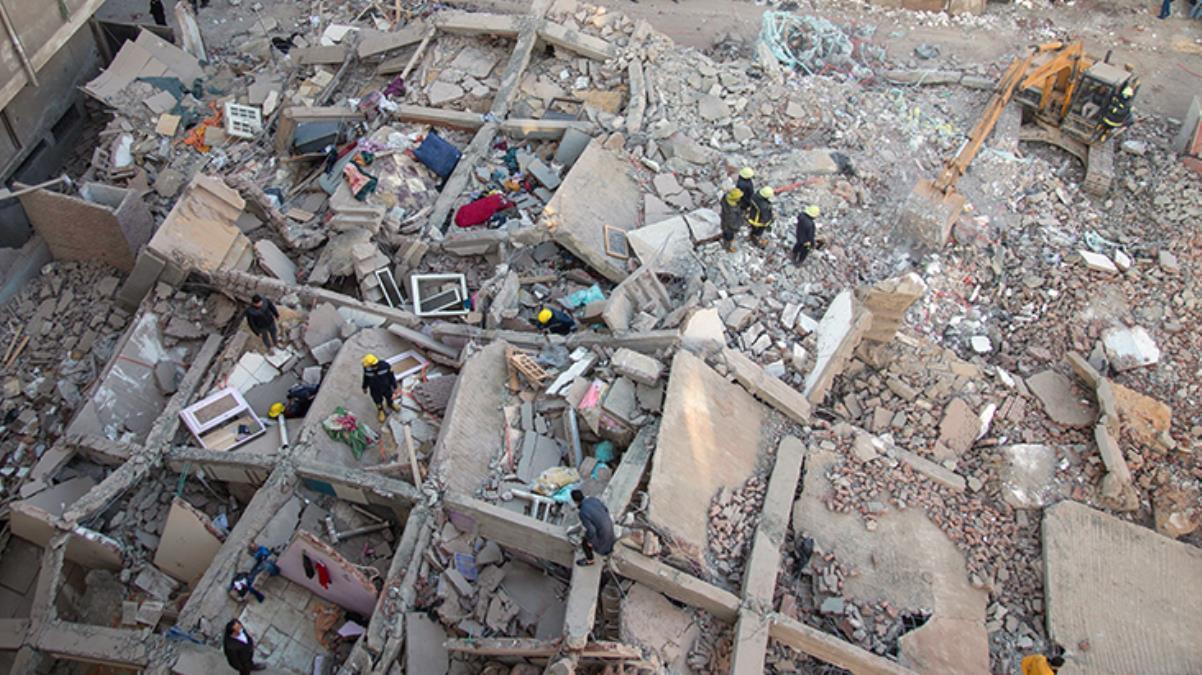 Mısır'da 10 katlı bina çöktü: 8 ölü, 29 yaralı