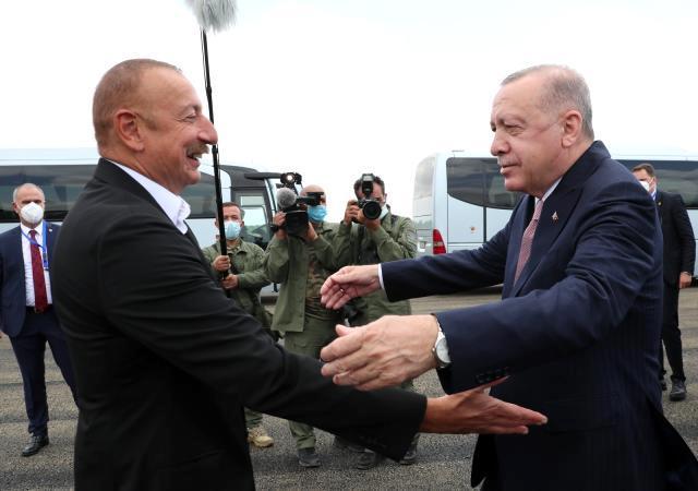 Son dakika haber… Cumhurbaşkanı Erdoğan, Fuzuli'de Aliyev tarafından karşılandı