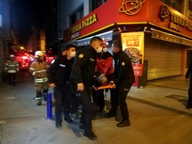 Son dakika haberi: İzmir'de restoranda yangın: 1 kişi dumandan etkilendi