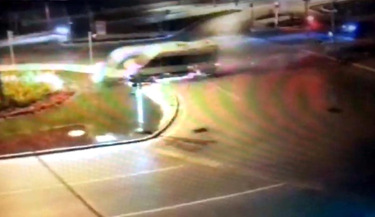 Son dakika haberleri! İzmir'de 2 kişinin yaralandığı kazanın güvenlik kamera görüntüleri ortaya çıktı