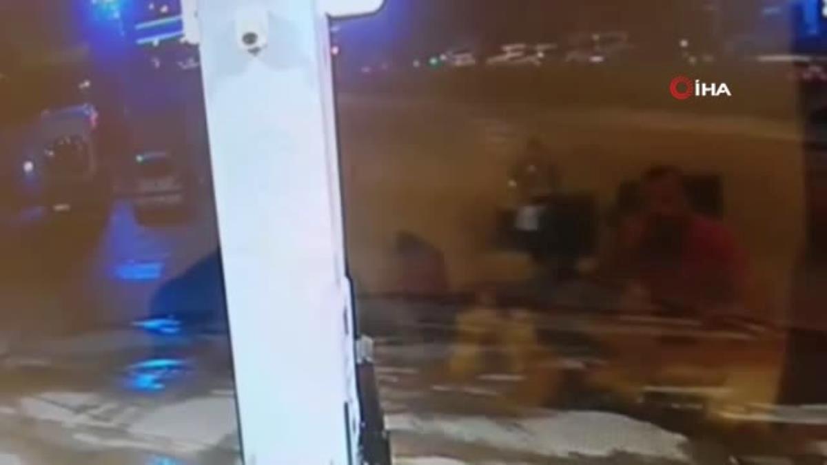 Son dakika haberleri: Oyuncak el bombasını akaryakıt istasyonuna fırlattı, çalışanlar büyük panik yaşadı…O anlar kamerada