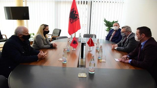 Tiran Büyükelçisi Yörük, Arnavutluk'ta Türkiye tarafından yaptırılan projelerle ilgili görüşmeler yaptı
