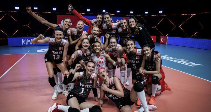 Türkiye Kadın Milli Voleybol Takımı Almanya'yı 3-0 yendi