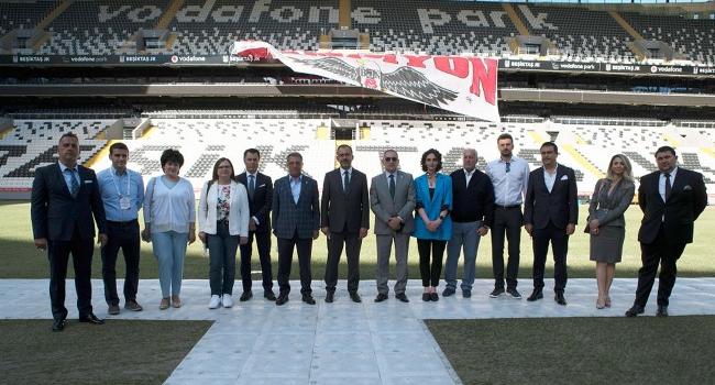 Güneydoğu Avrupa ülkelerinin spordan sorumlu bakanları, Vodafone Park'ı ziyaret etti