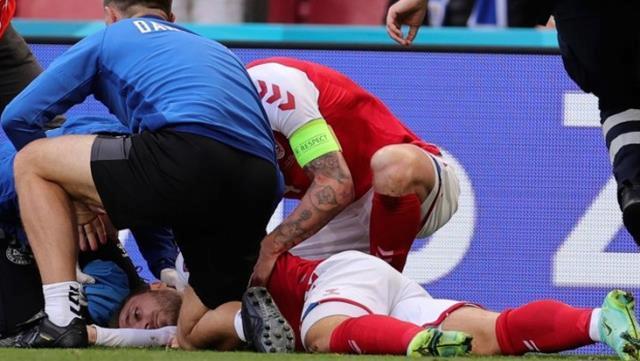 Yere yığılan Christian Eriksen'in futbol kariyerine devam etme ihtimali zayıf görülüyor