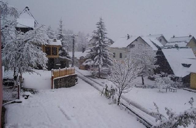 Снег в Жабляке. Фото: Rtcg.me, Filip Kljajević