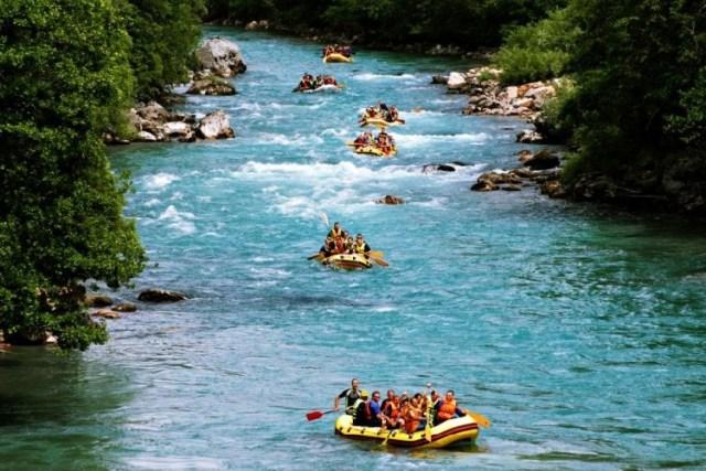 Рафтинг на реке Тара. Фото: Newlinemontenegro.com