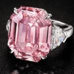 Dijamant koji košta oko 40 miliona dolara proputovaće svet pre prodaje
