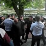 Bašta kafića protiv 30 policajaca