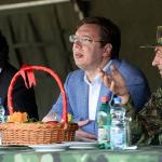 Vučić penzioniše Dikovića, smenjuje šefove vojnih službi?