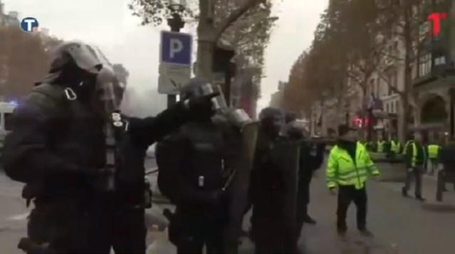 """Protest """"Žutih prsluka"""" – Pariz ne miruje"""