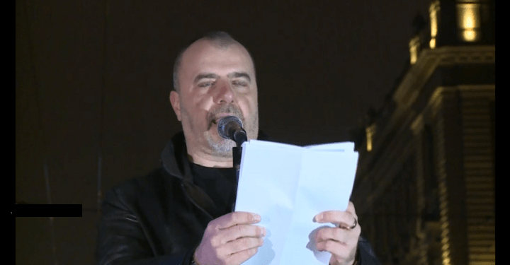 """1 od 5 miliona""- Nikola Kojo: ""Da se ide do kraja, do blokada, kordona, neplaćanja, totalne građanske neposlušnosti""."