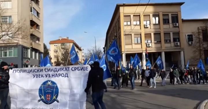 Protest i šetnja policajaca u Prokuplju (VIDEO)