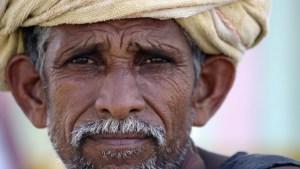 Indijac sebi odsekao prst jer je na izborima glasao za pogrešnu stranku
