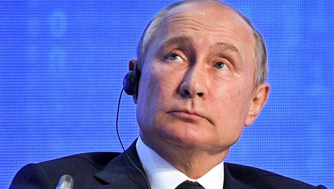 Putin: Mešaćemo se u američke izbore