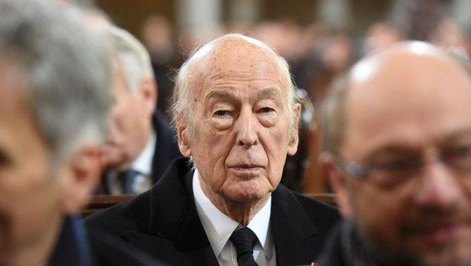Bivši predsednik Francuske pod istragom zbog optužbi za napastvovanje nemačke novinarke!