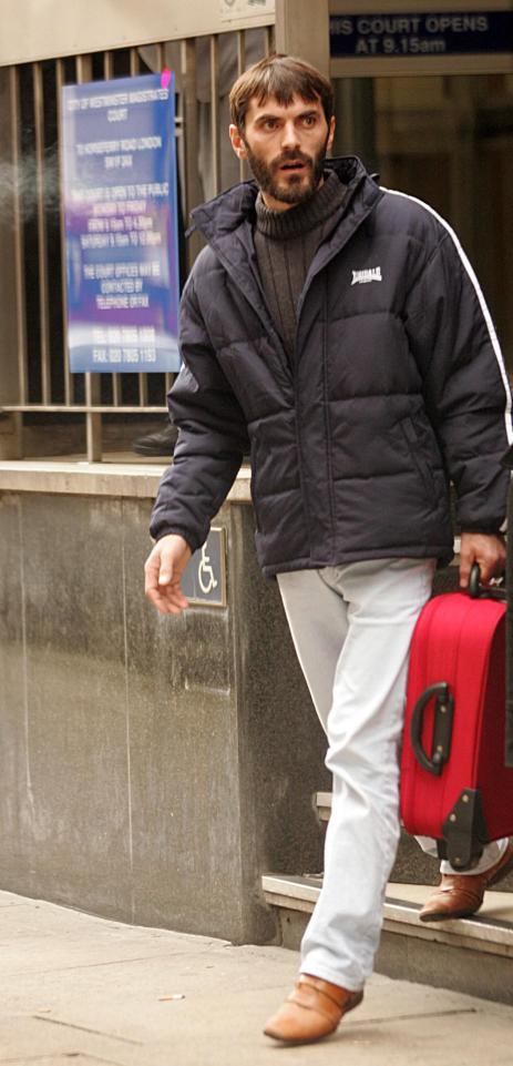 Afrim Pulaj,(emri i vërtetë) Afrim Sinani, i akuzuar për vrasje në vitin 1996 dhe i dënuar me 20 vjet burg
