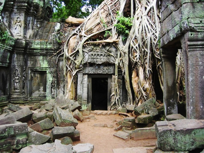 13 - Angkor-Wat