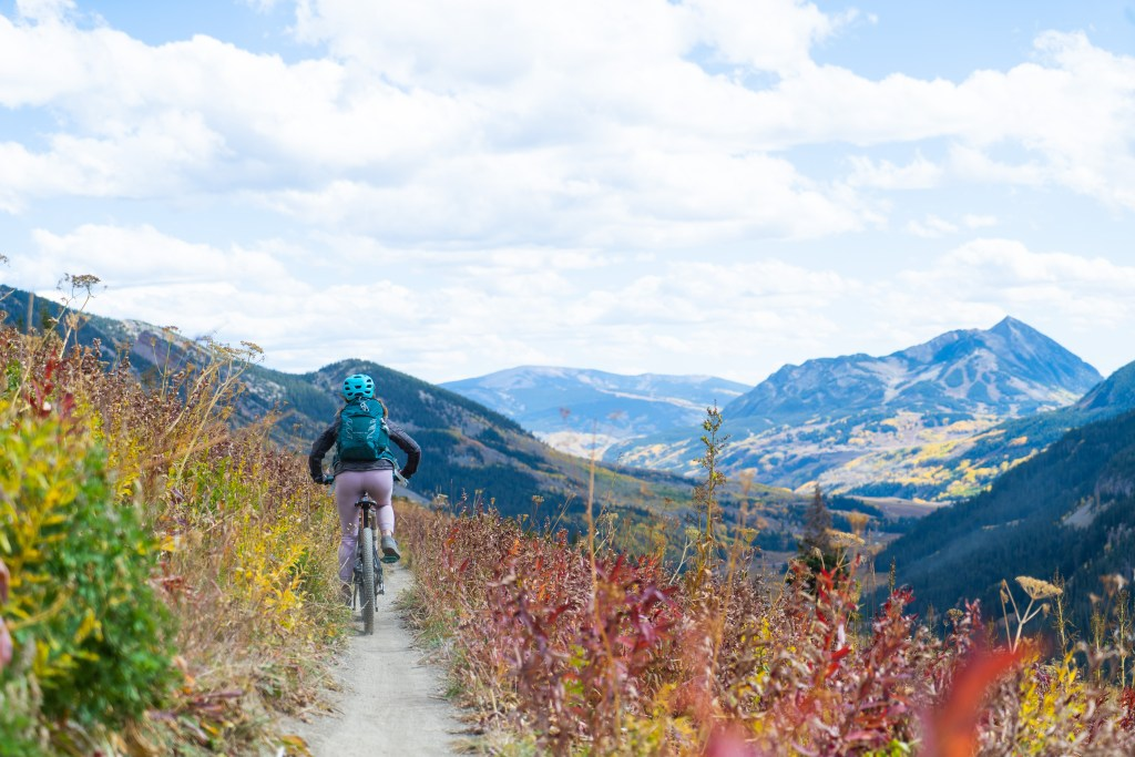 mountain biker mount crested butte 401 trail