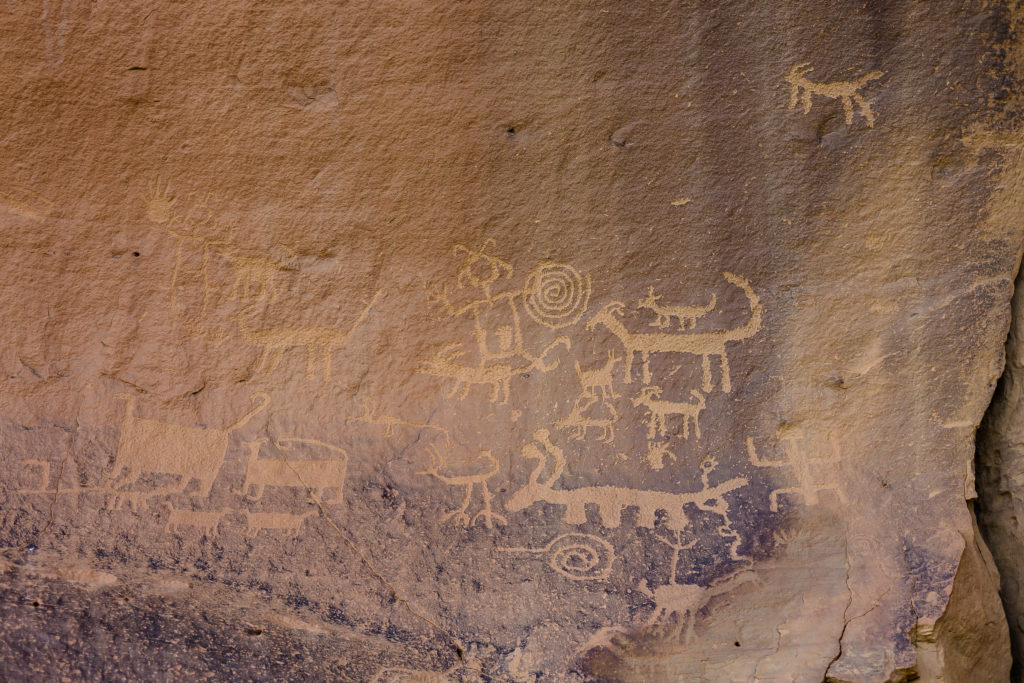chaco canyon petroglyphs kin kletso