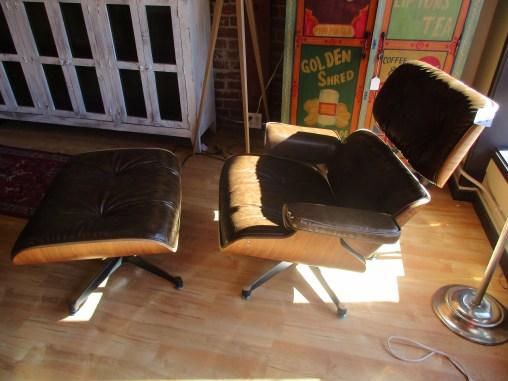 Manhattan Lounge Chair w/ Ottoman $995 Item #64762