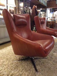 Brown Swivel Chair - Frasesdeconquista.com